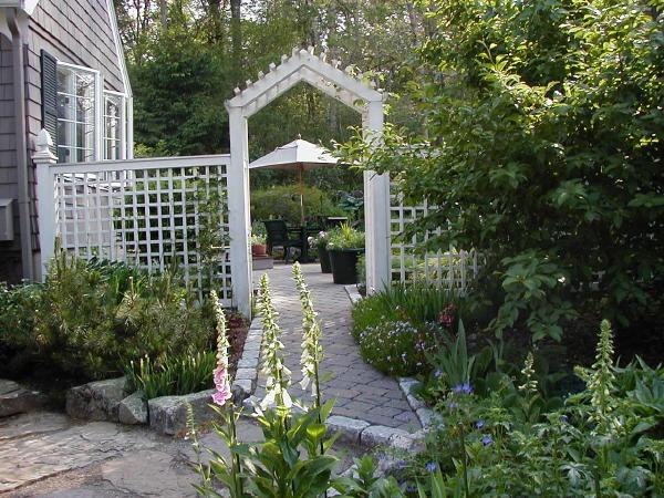 DIY Lattice Privacy Fence Arbor and Trellis
